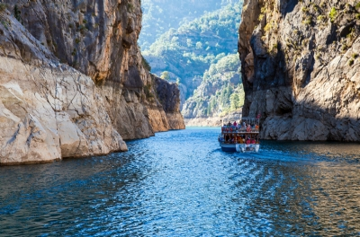Boat Tours - GREEN CANYON BOAT TOUR